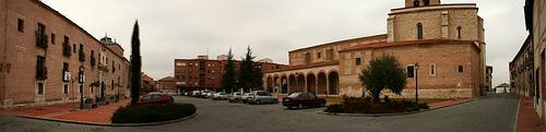 Olmedo - Ayuntamiento e Iglesia Sta María