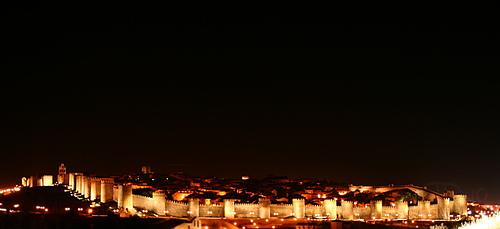 Ávila - Muralla nocturna