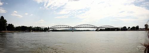 Danubio - Puente entre Hungría y Eslovaquia