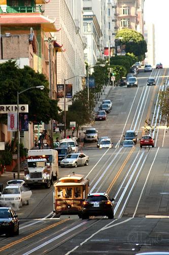 San Francisco - Tranvía sobre calle perjudicada