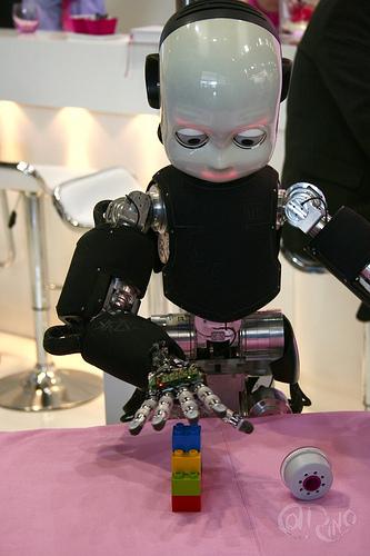 Automatica 2012 - iCub y lego