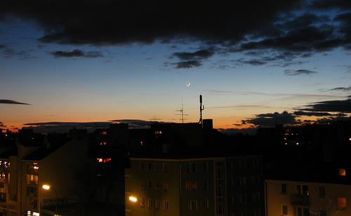 München - La Luna y Venus bajo las nubes